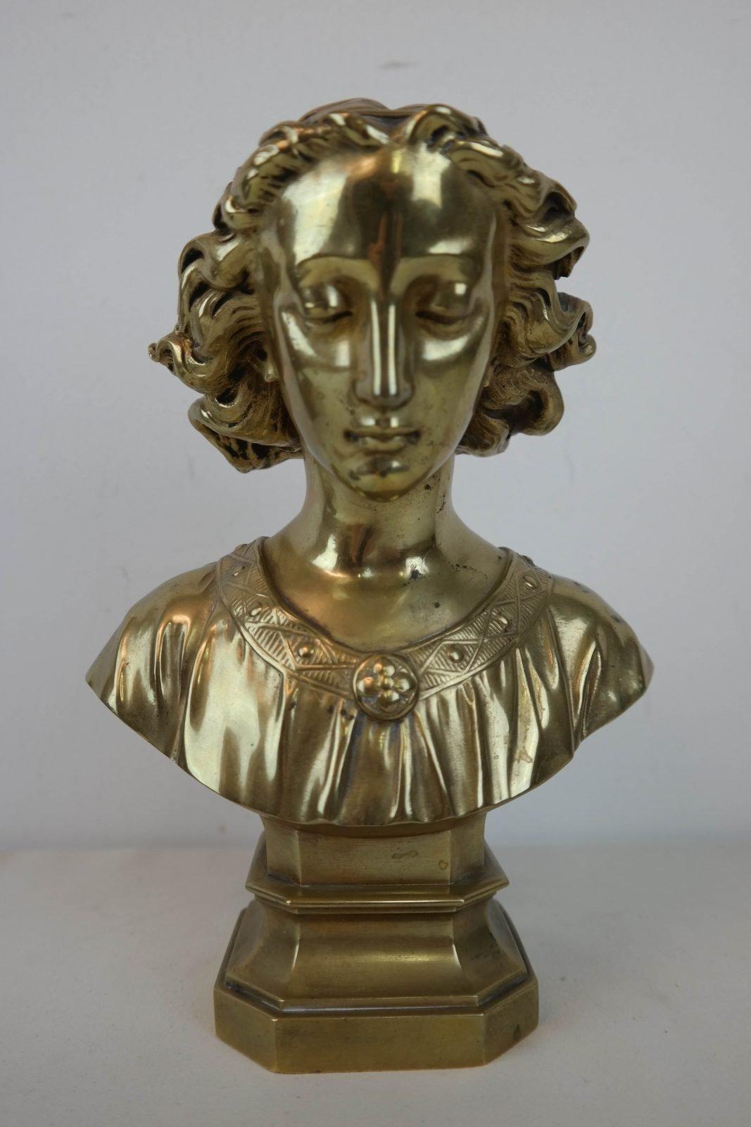 Art nouveau buste